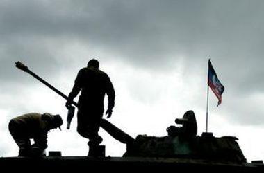 Боевики бросили против военных танки и зенитные установки