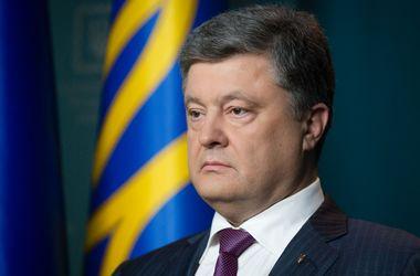 Порошенко объяснил, почему он не ввел военное положение в Украине