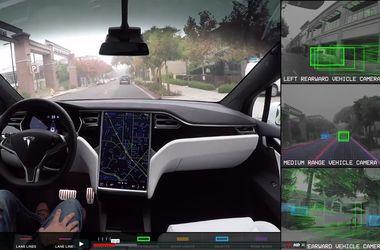 """Tesla показала мир """"глазами"""" автопилота"""