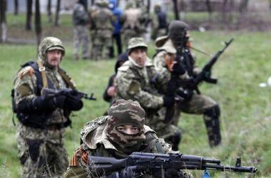 Военные попали под огонь танков и БТР