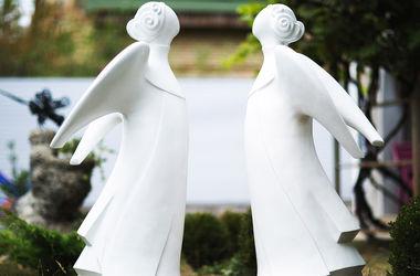 В Киеве установят более 20 скульптур ангелов