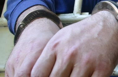 В Киеве грабитель избил киевлянку и отобрал ее телефон