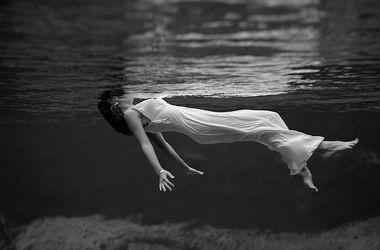 Тело женщины нашли в реке. Фото: из открытых источников