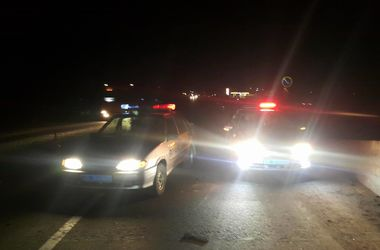 Смертельное ДТП под Киевом: BMW на огромной скорости влетел в бетонные блоки
