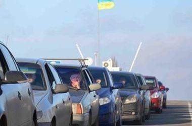В очередях на границе с Польшей стоят более 1400 авто