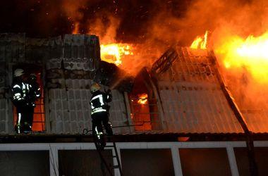 Масштабный пожар в Одессе: десятки пожарных спасали многокватриный дом