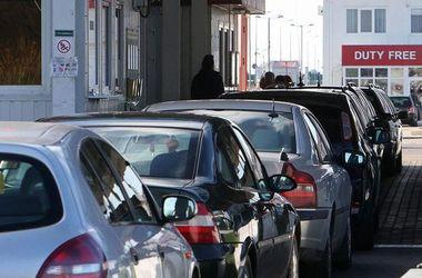 На украинско-польской границе застряла почти тысяча автомобилей