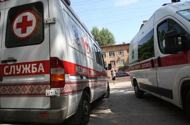 В Киеве пенсионер выпрыгнул с третьего этажа дома, спасаясь от огня