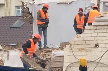 В Киеве строители напали на экс-депутата Киеврады