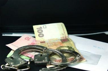 В Николаевской области правоохранители на взятке задержали чиновника из облэнерго