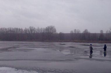 Мертвое тело самоубийцы подняли со дна водоема в Винницкой области