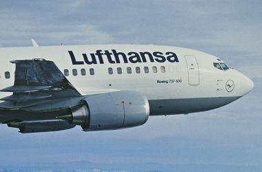Lufthansa отменила еще почти 900 авиарейсов