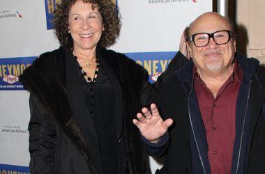 Развод обойдется Дэнни Де Вито в 140 миллионов долларов - Звездные новости - Актер разводится с женой Рией Перльман после 34 лет брака