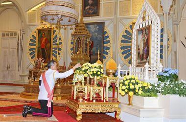 Новый король Таиланда взошел на престол