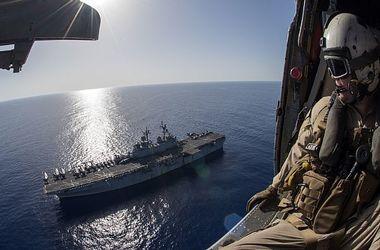 """У российских кораблей в Средиземном море появились """"гости"""""""