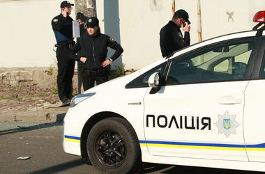 В Киеве мужчина порезал ножом двоих иностранных студентов