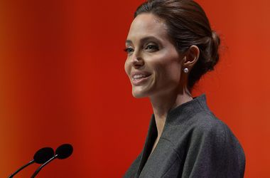 El hermano de Angelina Jolie preocupado por su comportamiento