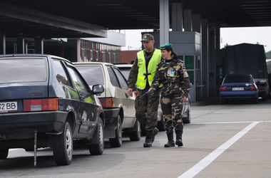 В заторы на украинско-польской границе попали более тысячи машин