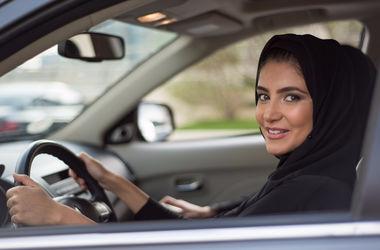 Саудовский принц призвал разрешить женщинам водить автомобили