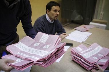 Итальянцы на референдуме проголосовали против конституционной реформы - опрос