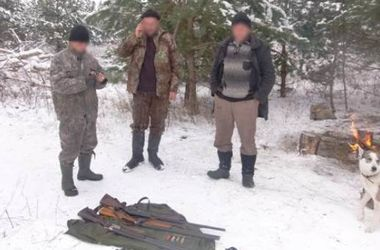 В зоне ЧАЭС обнаружили трех мужчин с оружием