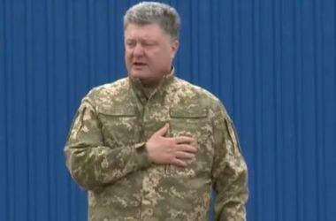 Poroshenko si è congratulato con i volontari