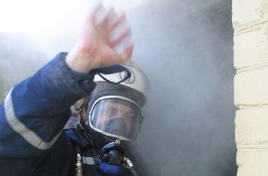 В Киеве из пожара спасли пожилого мужчину