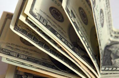 НБУ сбил ажиотаж по доллару на межбанке