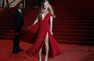 Пэрис Хилтон призналась, что пять лет притворялась глупой блондинкой - Звездные новости - Cветская львица утверждает, что имидж