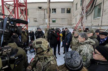 Президент дал старт работе восстановленной телерадиовышки на горе Карачун