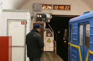 В Киеве сегодня на час продлят работу метро