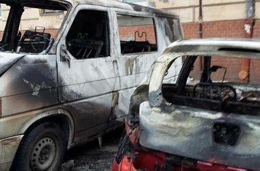 Во Львове сгорели три автомобиля