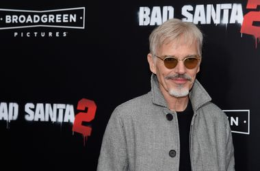 El actor billy bob thornton intenta devolver Jolie
