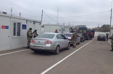 Из-за боевиков закрывают КПВВ на Донбассе