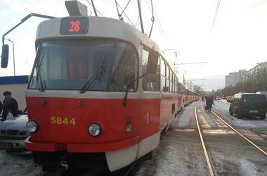 В Киеве произошло ДТП с трамваем