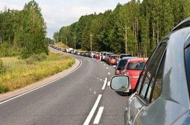 На границе с Польшей снова огромная очередь из авто