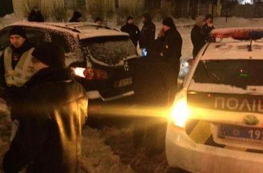 В Харькове полковник полиции угрожал оружием водителю мусоровоза