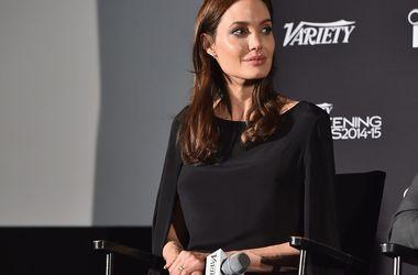 Анджелина Джоли переезжает в Лондон ради должности в ООН - Звездные новости - Все последние месяцы со дня инцидента на борту самолета Анджелина действовала в соответствии с четким планом
