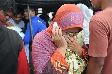 Мощное землетрясение в Индонезии: число жертв стремительно растет