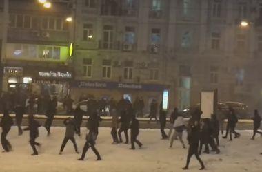 """Как дрались фаны """"Динамо"""" и """"Бешикташа"""" в Киеве"""