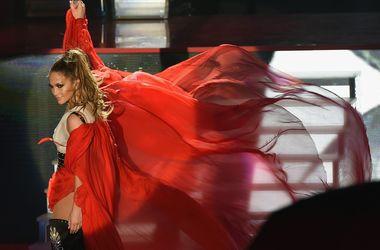 Дженнифер Лопес готова еще раз выйти замуж за Марка Энтони - Звездные новости - В конце лета певица рассталась со своим молодым возлюбленным Каспером Смартом