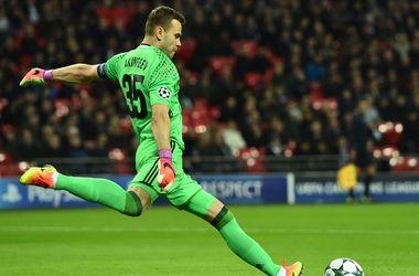 Вратарь Игорь Акинфеев пропустил в 43-м матче Лиги чемпионов подряд: новый антирекорд