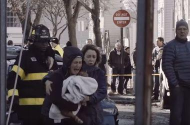 Видеохит: трогательная реакция девушки на спасение двух котят из огня