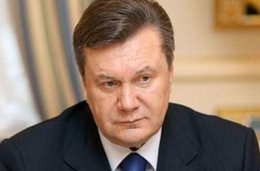Власти Швейцарии продлили арест средств Януковича