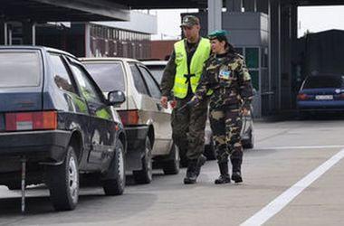 Ve frontách na hranicích s Polskem je nečinný více než tisíc auto