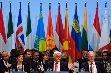 """Будущая """"Тройка"""" ОБСЕ выступила с совместным заявлением по Украине после безрезультатной встречи"""