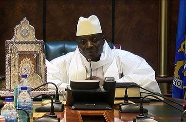 Президент Гамбии, правивший более 22 лет, передумал признавать поражение на выборах