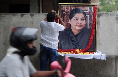В Индии 280 человек умерли от скорби по министру штата