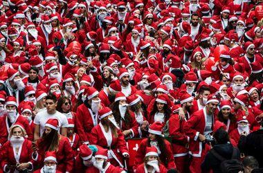 Люди в красном: 8 тысяч Санта-Клаусов устроили массовый забег в Ливерпуле