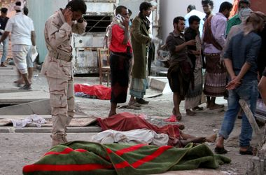 The number of victims of explosion in himenesom Aden grew to 50 soldiers